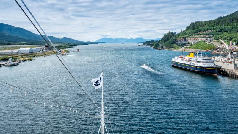 In Ketchikan, Alaska - Die «Star Princess» verlässt den Ort durch die Tongass Narrows