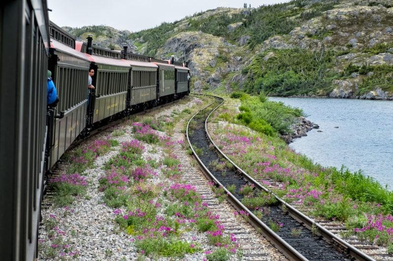 In Skagway, Alaska - Rückfahrt von Fraser nach Skagway, mit dem historischen Zug unterwegs