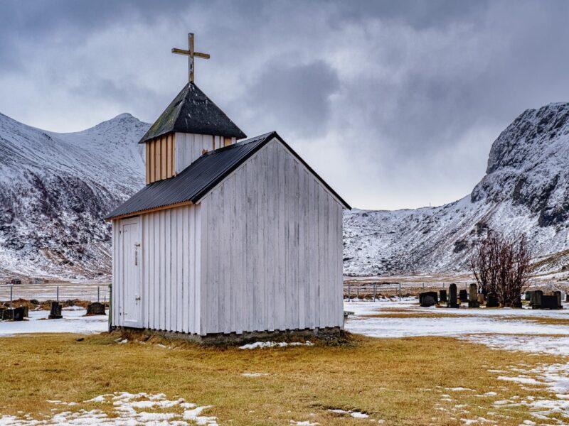 Little white church, Unstad