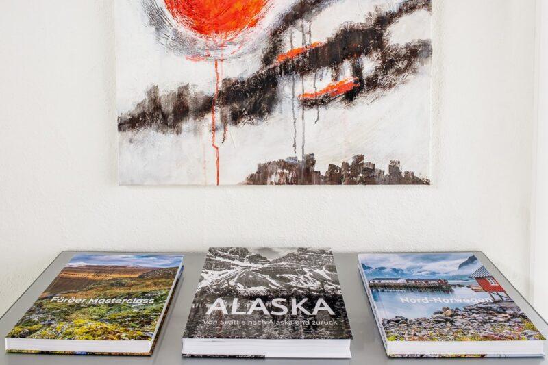 Die letzten drei Buch-Projekte auf dem Sideboard